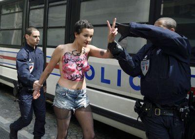 محەمەد هەریری: فێمن FEMEN و خۆ ڕوتکردنەوە وەك نارەزایی دەربڕین.